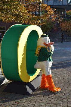Throwin' O's #OregonCheer