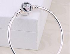 Pandora bangle bracelet poetic blooms clasp 590744CZ