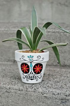 sugar+skull+flower+pot | Day of The Dead Sugar Skull: HERNANDO Hand Painted Flower Pot Ceramic ...