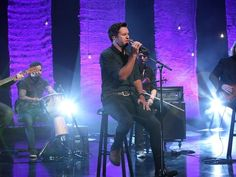 Luke Bryan Performs 'Drink a Beer' - The Ellen Degeneres Show Country Music Television, Shake It For Me, Little Big Town, Martina Mcbride, Ellen Degeneres Show, Jake Owen, Tim Mcgraw, Country Artists, Luke Bryan