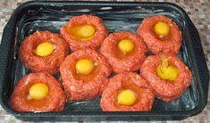 Karbanátky na plechu jsou zdravější, chutnější a bez smažení recept | iRecept.cz Ricotta, Hamburger, Sausage, Food And Drink, Vegetables, Ethnic Recipes, Tvar, Basket, Sausages