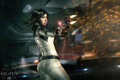 Character: Miranda Lawson / From: BioWare's 'Mass Effect' Video Game Series / Cosplayer: Cynthia Drachovsky (aka Biseuse, aka Robin Art & Cosplay) / Photo: Milos Mlady Photography (2016)