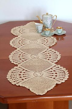 Cream Crochet Table Runner Cotton Table Runner Off-WhiteTable Cloth Table Decoration Center Piece Lace Table Runner Home Décor – Olga – weberei Crochet Table Runner Pattern, Crochet Doily Patterns, Bead Crochet, Filet Crochet, Crochet Motif, Crochet Doilies, Knitting Patterns, Pineapple Crochet, Lace Table Runners