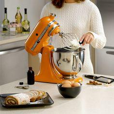 Descubra infinitas possibilidades na cozinha com as batedeiras KitchenAid! <3