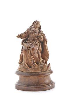 """MACHADO DE CASTRO (1731-1822) Nossa Senhora Figura de calvário Escultura em buxo Assente sobre base em madeira Assinada """"Mdo. Castro"""" e datado de 1793"""