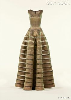 Azzedine Alaia dress- featured at the Groninger Museum, Netherlands Love Fashion, High Fashion, Vintage Fashion, Ladies Fashion, Fashion Trends, Gold Dress, Dress Up, Gold Gown, Christian Dior