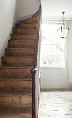 New Farmhouse Stairs Stairways Floors Ideas Farmhouse Stairs, Modern Farmhouse, Farmhouse Style, Cottage Stairs, Farmhouse Interior, Wooden Stairs, Rustic Stairs, Deco Design, Interior Exterior