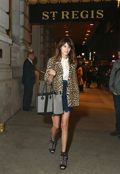 disfor:    Alexa Chung leaving The St. Regis New York, carrying the new Grand Tourista Bag designed by Jason Wu for St. Regis Hotels & Resorts.