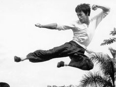 "The Big Boss"" - Bruce Lee - Pictures - CBS News"