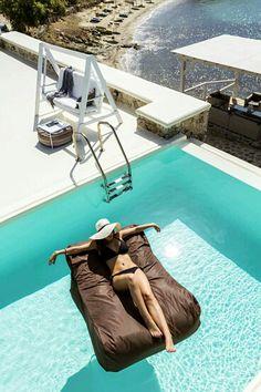 ♡ that raft!!