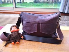 Besace Zip-Zip en cuir marron bronze cousu par Helene - Patron Sacôtin