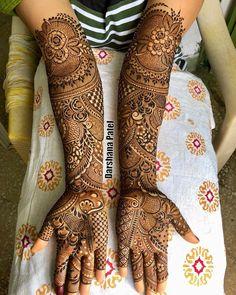 No photo description available. Indian Mehndi Designs, Stylish Mehndi Designs, Mehndi Designs Book, Mehndi Design Pictures, Wedding Mehndi Designs, Beautiful Mehndi Design, Mehndi Images, Mehendi Outfits, Bridal Outfits