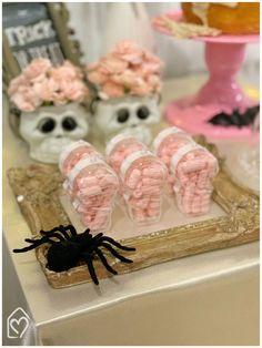 Mini table de Halloween Halloween, Breakfast, Mini, Food, The Bell Jar, Home, Girlfriends, Breakfast Cafe, Essen