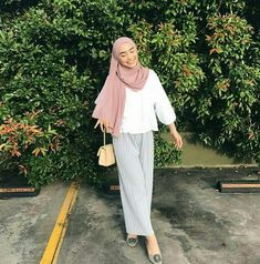 hijab outfit pastel - Another! Hijab Casual, Hijab Chic, Ootd Hijab, Hijab Fashion Casual, Hijab Fashion Summer, Street Hijab Fashion, Muslim Fashion, Modest Fashion, Fashion Outfits
