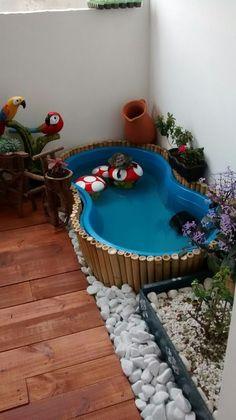 Balcony with mini water tortoise lake - Modern