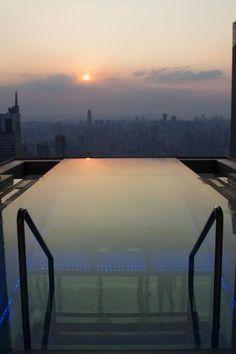 Infinity pool at the Westin, Chongqing, China