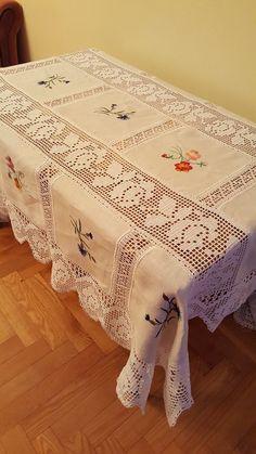 Crochet Table Topper, Crochet Table Runner, Filet Crochet, Crochet Lace, Pineapple Crochet, Table Toppers, Chrochet, Crochet Patterns, Embroidery