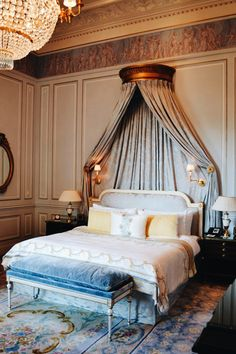 Stunning luxury interior design ideas from modern boutique hotels. Lobby, bedroom, stairways and entryways, a room by room guide to finding inspiration with the best interior architecture from world renowned hotels. Luxury Bedroom Furniture, Luxury Rooms, Luxury Home Decor, Luxury Interior Design, Luxurious Bedrooms, Modern Bedroom, Interior Architecture, Bedroom Decor, Bedroom Ideas
