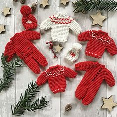 Ravelry: Christmas decorations pattern by Anna Nikipirowicz Knitted Christmas Stocking Patterns, Crochet Christmas Garland, Knitted Christmas Stockings, Holiday Crochet, Christmas Knitting, Christmas Crafts, Crochet Ornaments, Christmas Patterns, Christmas Tree