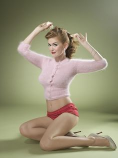 modern actresses as 50's pin ups. Isla Fisher, Hayden pantierre, and a bunch more. This is awesome! :)