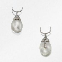 The Duchess of Windsor's natural pearl pendant sold by Olga Tritt of New York and remounted by Cartier Paris in 1950.