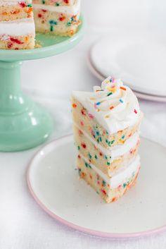 The Best Funfetti Cake - Pretty. - The best homemade funfetti cake recipe. Tender, light, moist, and fluffy with creamy vanilla butter - Funfetti Kuchen, Funfetti Cake, Oreo Cake, Whipped Cream Cheese Frosting, Vanilla Buttercream, Buttercream Frosting, Vanilla Cake, Confetti Cake Recipes, Cake Mix Recipes