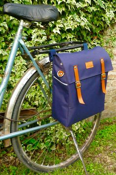 Whether you are off for a bike ride or on your way to work, shopping or school dont forget your messenger pannier! This waterproof pannier beautifully
