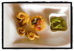 Involtini di spatola con crema di fave e crostino con gamberetti marinati