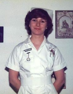 Research image for nurse emily- possible uniform style School Badges, Professional Nurse, Nursing Pins, Research Images, Vintage Nurse, Oldschool, Medical Information, Retro, Chef Jackets