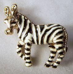 Vintage Enamel Zebra Pin Gold Tone Figural Animal Brooch Black White 215DG