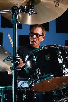 My favorite drummer, Mr. Vinnie Colaiuta!