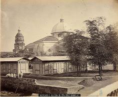 Mercado e iglesia de Sta. Cruz (Manila)