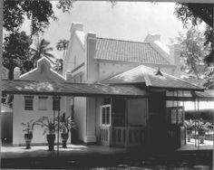 Gastenpaviljoen van Hotel des Indes, Batavia Date 1910 Dutch East Indies, Dutch Colonial, Colonial Architecture, Interesting Buildings, Building Structure, Jakarta, Netherlands, Around The Worlds, House Design