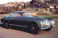 British shop uses tech to restore the rarest Jaguar in existence Jaguar Xk120, Classic Motors, Classic Cars, Carros Jaguar, Jaguar Pictures, Vintage Cars, Antique Cars, British Shop, Automobile