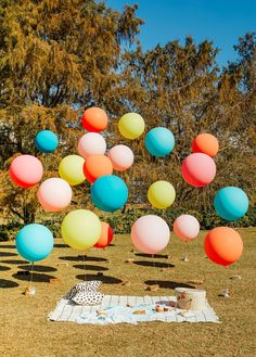 Epic balloons in the park! - Things I Didn't Know About Basic Financial Planning., - Epic balloons in the park! – Things I Didn't Know About Basic Financial Planning… , Epic ball - Birthday Party At Park, Picnic Birthday, First Birthday Parties, First Birthdays, Carnival Birthday Parties, Balloon Decorations, Birthday Party Decorations, Festa Mickey Baby, Baby Party