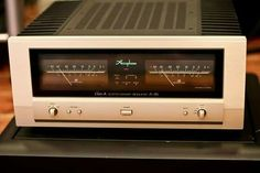 Accuphase A-46 Stereo Power amplifier