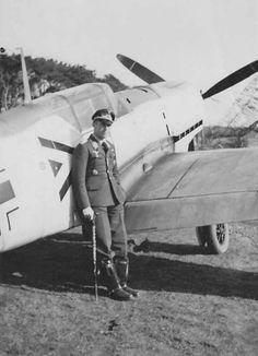 ■ Bf 109 E of Stab I/JG 20 pilot Gruppenkommandeur Hptm Johannes Trautloft Air Fighter, Fighter Pilot, Fighter Jets, Luftwaffe, Ww2 Aircraft, Military Aircraft, German Soldiers Ww2, Ww2 Planes, Vintage Airplanes
