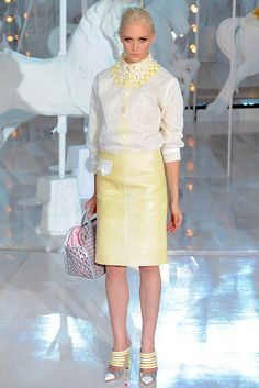 Louis Vuitton Spring 2012 Ready-to-Wear Fashion Show - Sojourner Morrell (MARILYN)