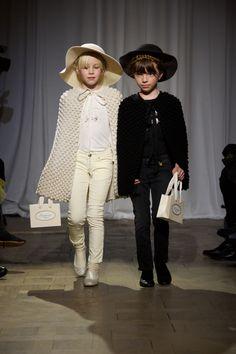 Bonpoint kids fashion show Kids Fashion Show, Kids Winter Fashion, Little Fashion, Young Fashion, Girl Fashion, Fashion Children, Fashion Clothes, Cute Outfits For Kids, Cute Kids