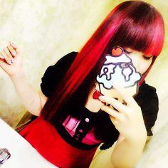 WEBSTA @ m0m0k0chaaan - わかりづらいので誰も気が付かないと思いますが、後頭部のメッシュだけオレンジ🍊なのだ✨✨染め粉足りなくなっただけなんだけど…大好きなピンクとオレンジでお気に入り💕#japan #tokyo #fashion #coordinate #code #rockabilly #pinup #pinupgirl #jessicalouise #onepiece #👗 #cute #lovely #kawaii #hair #haircolor #pink #orange #manicpanic #icecream #instapic #instagood #like4like #l4l #ヘアカラー #マニパニ #ロカビリー #ピンク