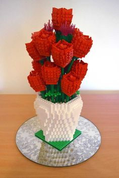 Lego Vase Rose & Thistle | #lego #rose #wedding #flower #vase | http://www.bricktwist.com | Copyright © 2016 · BrickTwist.com