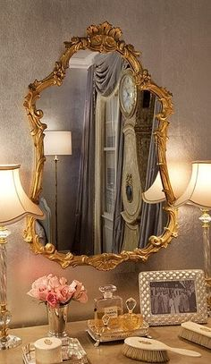 i have a mirror like this - use with vanity table?find a vintage mirror for your dressing table. My New Room, My Room, Molduras Vintage, Decoration Bedroom, Beautiful Mirrors, Home Design, Design Ideas, My Dream Home, Vignettes