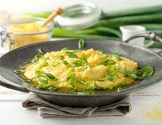 Muas Rezept Wiener Schnitzel, Polenta, Thai Red Curry, Potato Salad, Potatoes, Ethnic Recipes, Food, Butter, Vegetarian Recipes