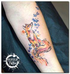 50 Awesome Fox Tattoo Designs You Will Love! Red Fox Tattoos, Black Tattoos, Body Art Tattoos, Sleeve Tattoos, Small Fox Tattoo, Small Tattoos, Deer Tattoo, Raven Tattoo, Fox Tattoo Men