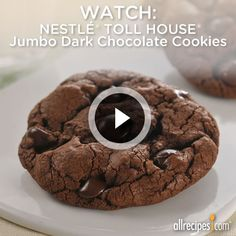 Jumbo Day Chocolate Cookies from Nestle(R) | These dark chocolate cookies will double your chocolate delight. Repin for your holiday baking!