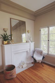 Use Paint Strategically Choose a wall color that's the same as your flooring so that the edge where they meet is less noticeable. Paint the walls and trim in similar shades of one color. Lastly, create the illusion of high ceilings by continuing the wall color onto the ceiling, making wall appear taller in the process.