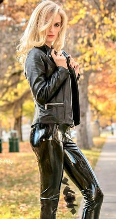 Perfect fitting leather jackets at factory price. By using disruptive, direct to consumer model we cut all middleman and pass the saving to you. Pantalon Vinyl, Fashion Moda, Womens Fashion, Mode Latex, Talons Sexy, Leder Boots, Vinyl Leggings, Latex Pants, Estilo Rock