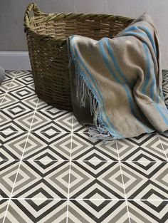 Our Guide to the Best Peel & Stick Decorative Tile Decals