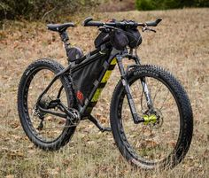 Another look at my @salsacycles carbon Beargrease #fatbike with #29plus &…