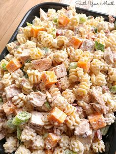 A pasta salad hearty enough for a meal and perfect for every occasion. A pasta salad hearty enough for a meal and perfect for every occasion. Bacon Ranch Pasta Salad, Pasta Salad Recipes, Chicken Bacon, Chicken Recipes, Salad Chicken, Pasta Dishes, Food Dishes, Side Dishes, Moussaka